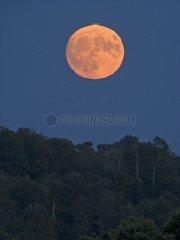 Lunar Green flash at sunrise Full Moon France