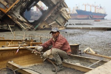 Child on a shipbreaking yard Bangladesh
