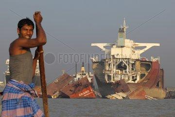Fisherman and ship-breaking yard in Bangladesh