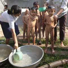 Assistance Association for poor children in Cambodia
