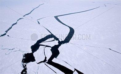 Cracks in the Canadian Arctic Archipelago ice