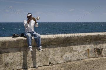 Encounter on the Malecon La Habana Cuba