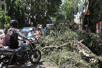 INDIEN-BANGALORE-REGENSTURM  Indien Bangalore Unwetter