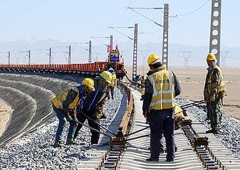 #CHINA-GANSU-JIUQUAN-RAILWAY-TRACK LAYING (CN)