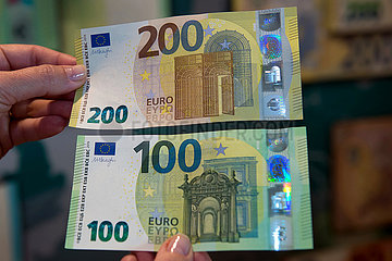 LITHUANIA-VILNIUS-EURO BANKNOTES
