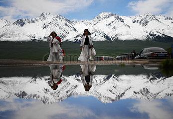 CHINA-XINJIANG-ILI-Narat WIESE-TOURISM Gest?nge (CN) CHINA-XINJIANG-ILI-Narat WIESE-TOURISM Gest?nge (CN) CHINA-XINJIANG-ILI-Narat WIESE-TOURISM Gest?nge (CN) CHINA-XINJIANG-ILI-Narat WIESE -Tourismus Gest?nge (CN)