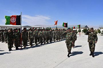 AFGHANISTAN-Balkh-ARMY-Graduierungsfeier