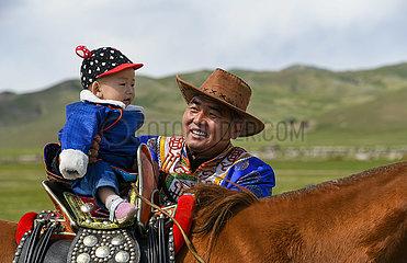 CHINA-INNER MONGOLIA Hirten-Migration (CN)
