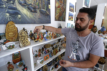 LEBANON-KFARHIM-PAINTER-HANDCRAFTS
