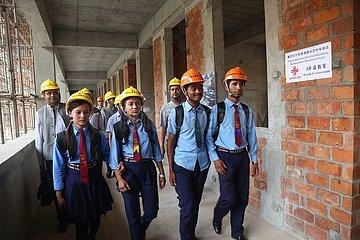 NEPAL-KATHMANDU-CHINA-AID-UMBAU-SCHULE