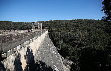 AUSTRALIEN-SYDNEY-WATER RESTRICTION  (?) ??