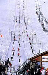 France  Isere (38) L'Alpe d'Huez  les remontes-pentes de la station
