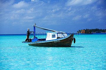 MALDIVES - MalAe atoll