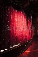 Roter Vorhang p600m2076316