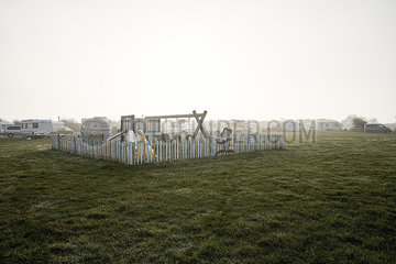Spielplatz auf einem Campingplatz p850m2076383
