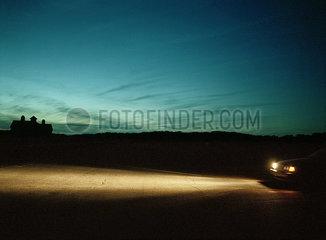 Autolichter bei Nacht p1415m2076753