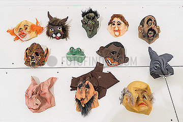 Verschiedene Masken p075m2071212