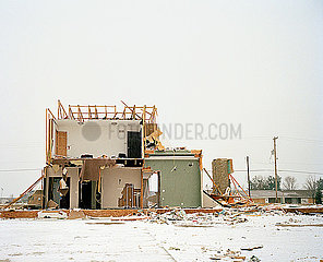Nach dem Tornado p1415m2076767