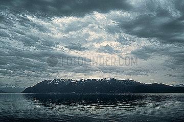 Genfer See in der Abenddaemmerung