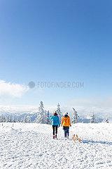 Durch die schoene Winterlandschaft