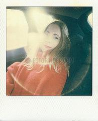 Frau in einem Auto