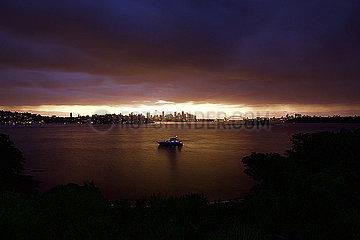 Sonnenuntergang  Blick auf Sydney