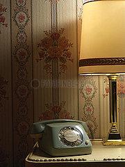 Altes Telefon mit Waehlscheibe