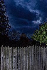 Dunkler Zaun im Spessart p248m2076909