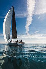 Segelyacht unterwegs p1150m2076402