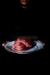 Herz auf einer Platte p1521m2064511