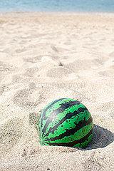 Ball am Strand