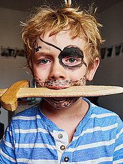 Kleiner Junge als Pirat