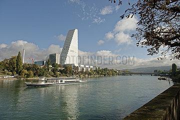 Roche Hauptsitz am Rheinufer in Basel  Schweiz