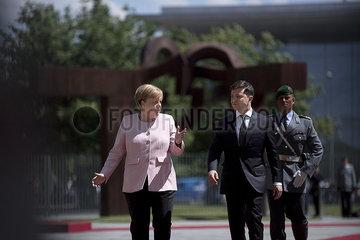 Angela Merkel  Volodymyr Zelensky Angela Merkel  Volodymyr Zelensky
