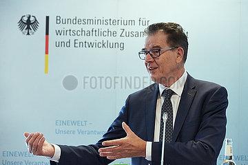 Berlin  Deutschland - Dr. Gerd Mueller  Minister fuer wirtschaftliche Zusammenarbeit und Entwicklung.