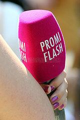 Hannover  Deutschland  Mikrofon des Online-People-Magazins Promi Flash