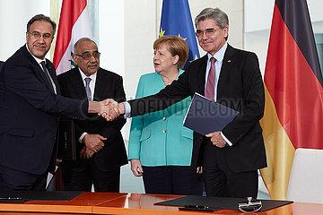 Berlin  Deutschland - Luay Al-Khateeb  Adel Abdul-Mahdi  Angela Merkel und Joe Kaeser.