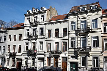 Bruessel  Region Bruessel-Hauptstadt  Belgien - Modernisierte Buergerhaeuser im Zentrum Bruessels.