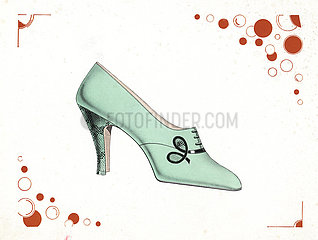 Woman's laced shoe design in pale green leather  1930.