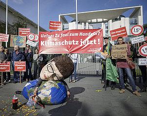Klimaschutz Jetzt demonstration vor Bundeskanzleramt