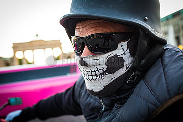 FEA Gesichtserkennung Outfit Motorradfahrer