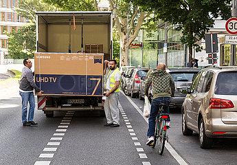 RAD Radweg Verkehr Kurier