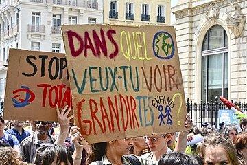 Schuelerdemonstration in Frankreich 20190525am019