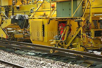 Gleisarbeiten auf der Bahnstrecke Oldenburg-Wilhelmshaven JOKER190515071614.jpg