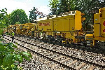 Gleisarbeiten auf der Bahnstrecke Oldenburg-Wilhelmshaven JOKER190515071616.jpg