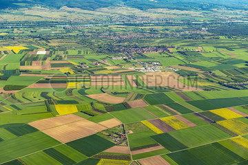 Landwirtschaftliche Nutzflächen bei Mainz Landwirtschaftliche Nutzflaechen bei Mainz JOKER190513531020.jpg