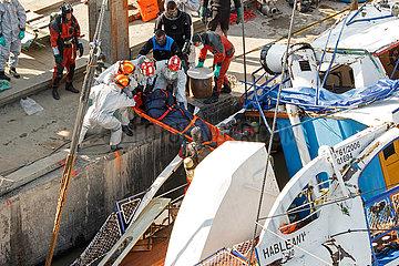 Bergung des Ausflugsschiffes Hableany in Budapest JOKER190611891105.jpg