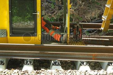 Gleisarbeiten auf der Bahnstrecke Oldenburg-Wilhelmshaven JOKER190515071613.jpg