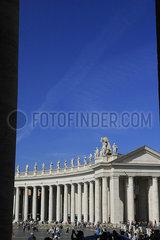 Kolonnade auf dem Petersplatz in Rom