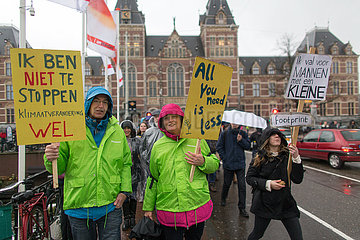 protest in Amsterdam against climate change